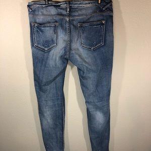 Vigoss Jeans - VIGOSS distressed jagger skinny jeans size 8